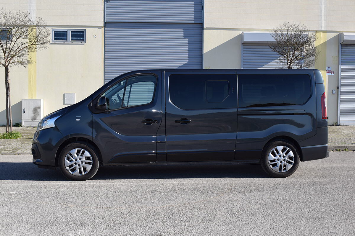 Renault Trafic SpaceClass - Lateral