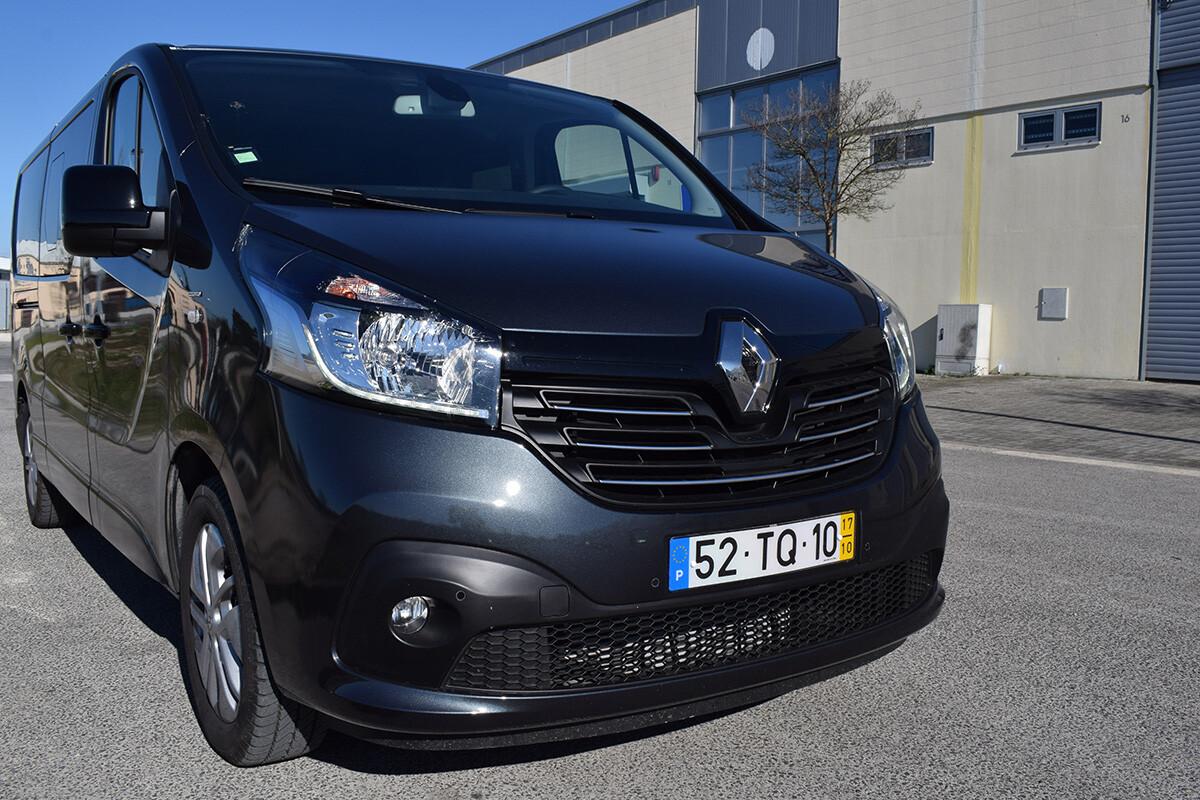 Renault Trafic SpaceClass - Frente 2