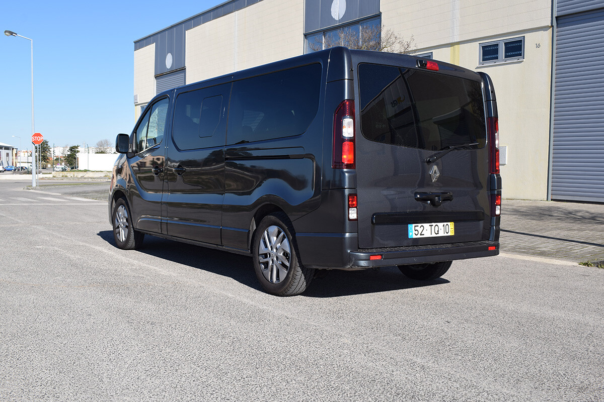 Renault Trafic SpaceClass - Atrás