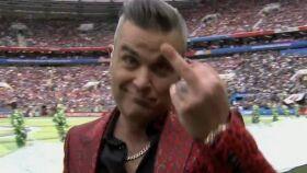 Robbie Williams mostra dedo do meio na abertura do Mundial-image