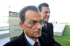 Oliveira Costa condenado a 14 anos de prisão no caso BPN-image