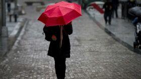 Este fim de semana não saia de casa sem o guarda-chuva-image