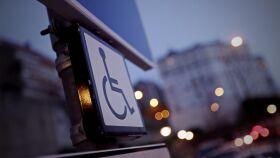 Estacionar em locais para deficientes tira dois pontos à carta-image