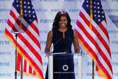 Se as eleições fossem hoje Michelle Obama dava uma tareia a Trump-image