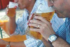 Investigadores precisam de voluntários para beber cerveja-image