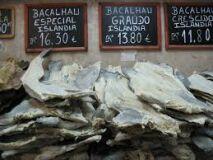 Sapatos 51 e muitos quilos de bacalhau vão nas malas dos turistas-image
