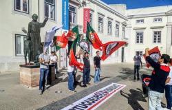 Extrema-direita impede manifestação na estátuado padre António Vieira-image