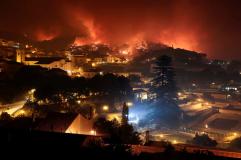Fogo chegou à vila de Monchique. Pode haver casas queimadas-image